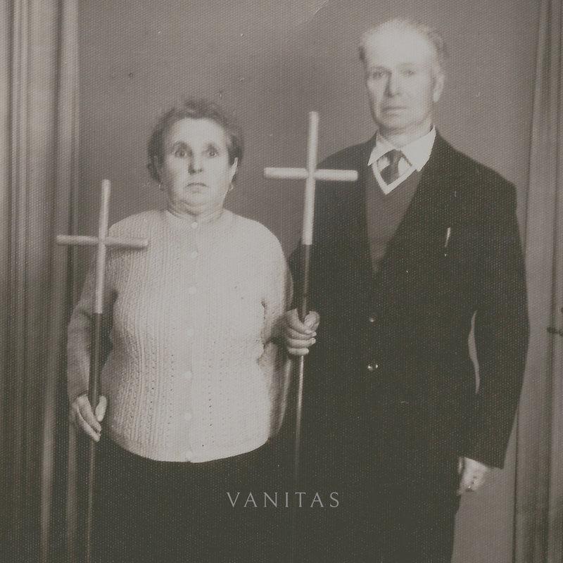 IN TWILIGHT'S EMBRACE - Vanitas